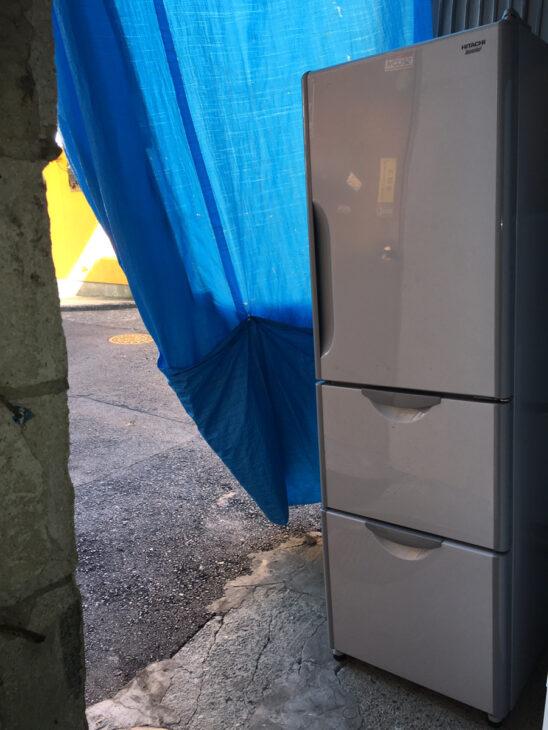 日立製2ドア冷蔵庫R-S30CMVを無料でお引き受け致しました。