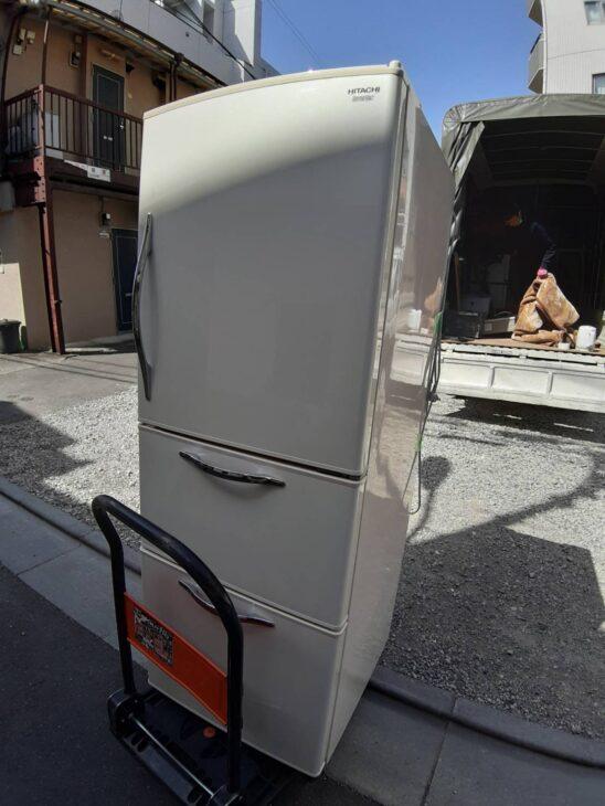 日立 3ドア冷蔵庫R-S27CMVの出張査定を致しました。