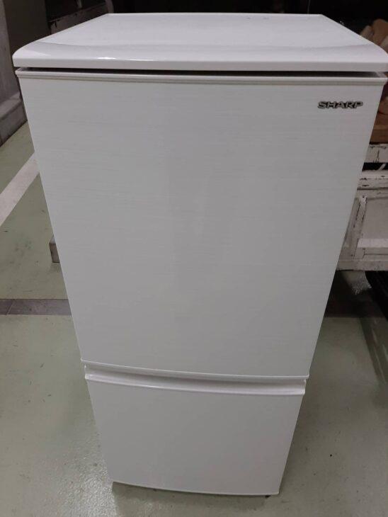 冷蔵庫SJ-D14F-Wと電子レンジを出張にて査定致しました。
