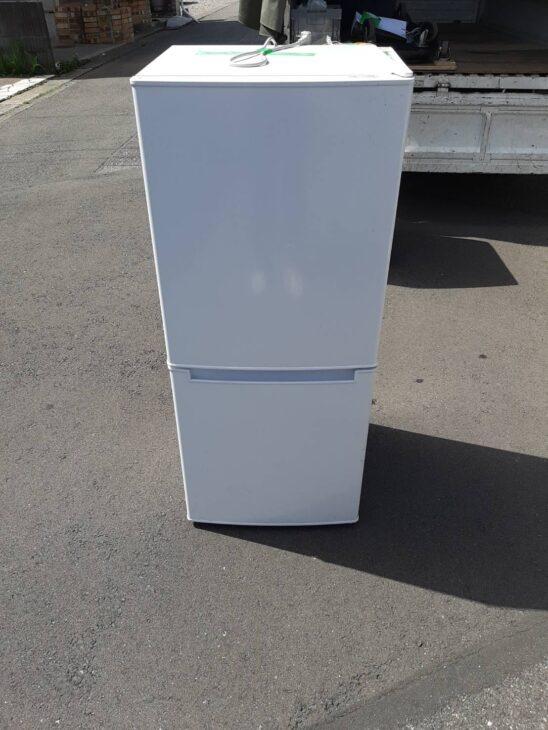ニトリの冷蔵庫NTR-106を出張引き取りしました