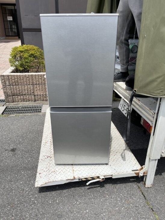 アクアの冷蔵庫AQR-13Jを出張査定致しました。