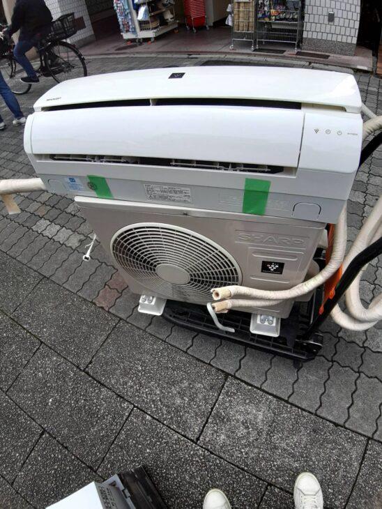 出張にてお買取りしました。エアコンは取り外し料込みです!