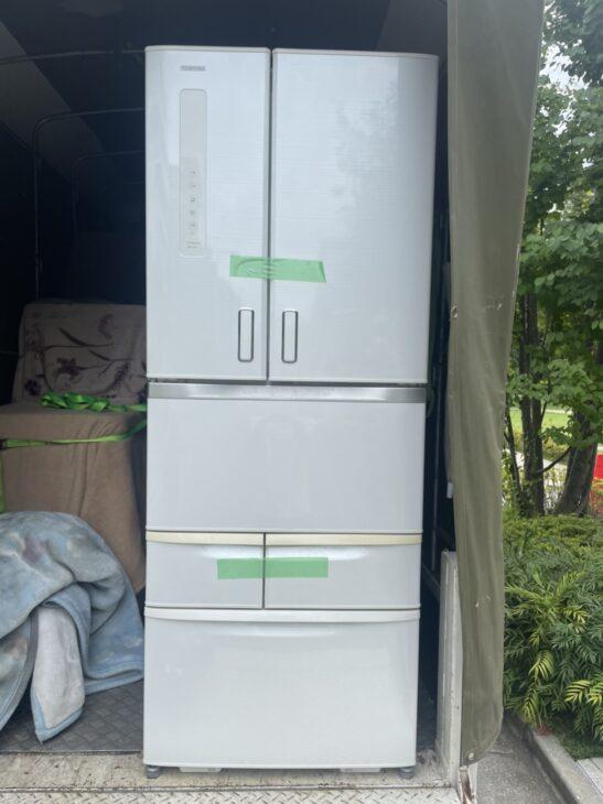 西東京市のお客様より6ドア冷蔵庫をお売り頂きました。