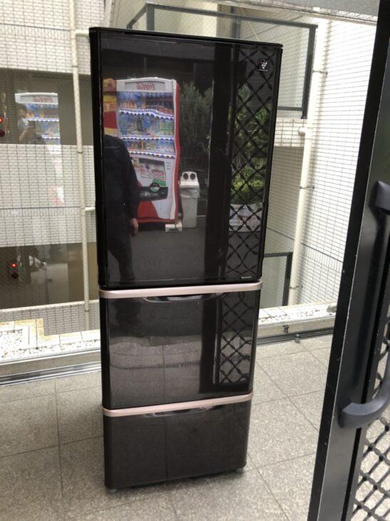 [港区]SHARPの冷蔵庫とデジカメの出張査定を頂戴しました。