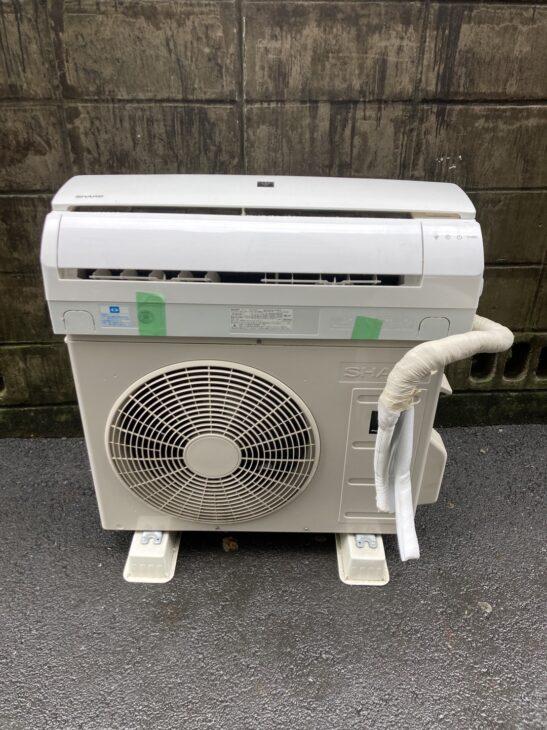 シャープのエアコンの出張査定で、品川区へお邪魔しました。