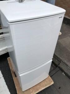 SHARP(シャープ)137L 2ドア冷凍冷蔵庫 SJ-D14D-W 2018年製